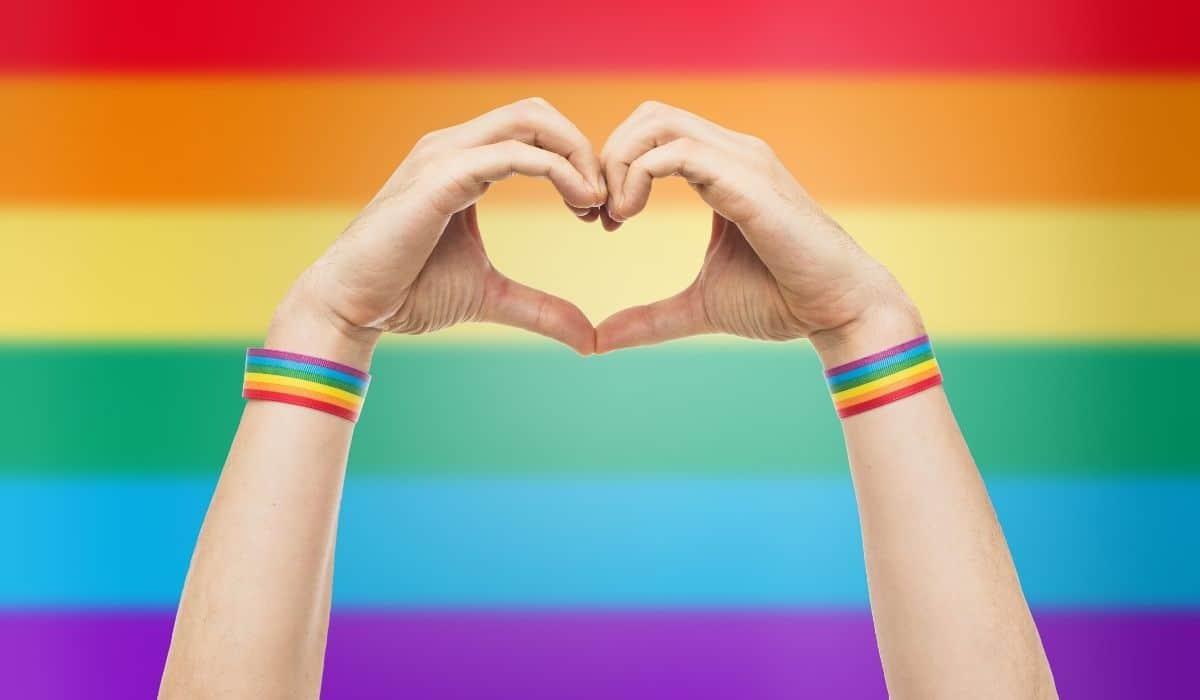 É possível educar crianças para repudiar a homofobia?